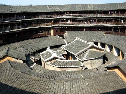 Tolou bebyggelse fra Kina (Wikimedia)
