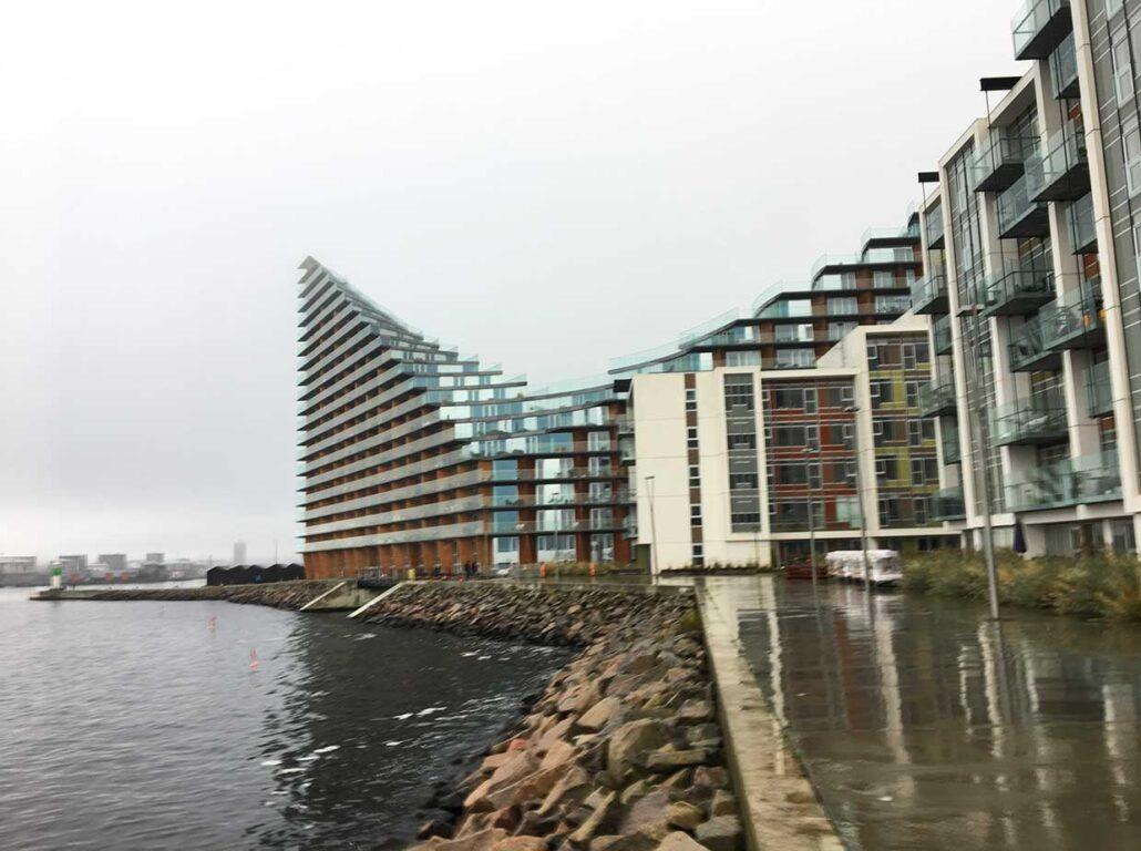 Havnefronten med courtscraper i Århus Ø