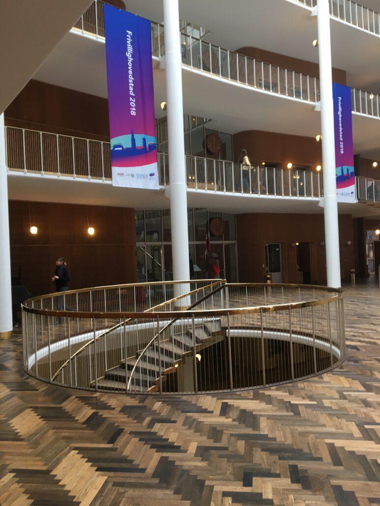 Moderne arkitektur århus forhal trappe